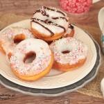 domowe donutsy w lukrze