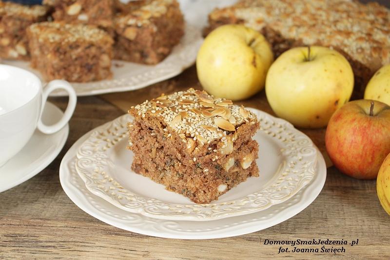 jesienne ciasto z jabłkami i ziarnami