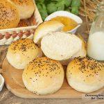 domowe bułeczki śniadaniowe