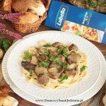 makaron z gulaszem mięsno grzybowym –  LUBELLA I KOSZ GRZYBÓW