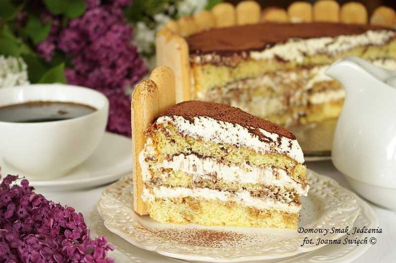 pyszne ciasto tiramisu