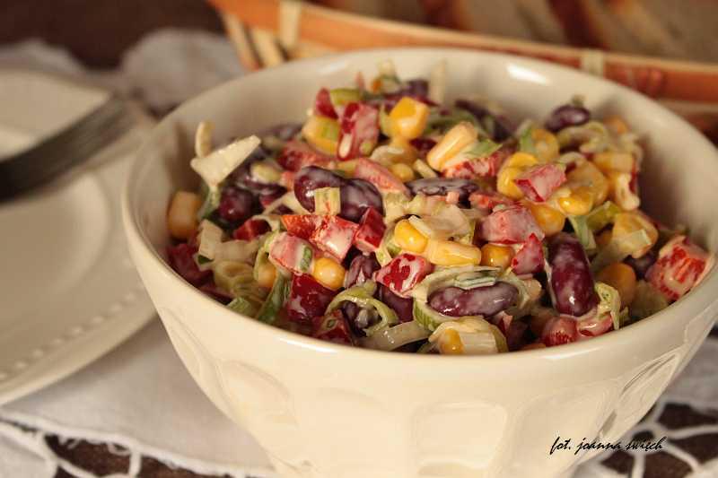 Kolorowa Salatka Na Bazie Pora Domowy Smak Jedzenia Pl