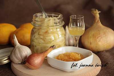 syrop z cebuli – domowy sposób na przeziębienie